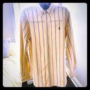RALPH LAUREN. Men's Button Down Shirt. Size M